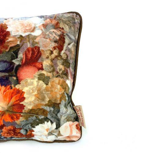 Cushion Lina